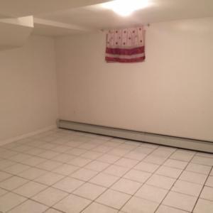 房地产信息: 新鲜草原2房1厅1300