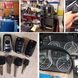 万家执照锁匠汽车钥匙上门开换修锁